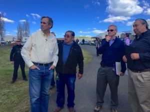 Senator Merkley and Congressman Blumenauer visit the Lone Pine Indian fishing camp